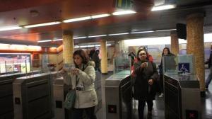 Pintu masuk Metro