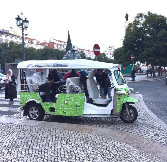 tuktuk18