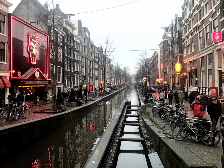 5 Alasan menginap di Red Light District- Amsterdam
